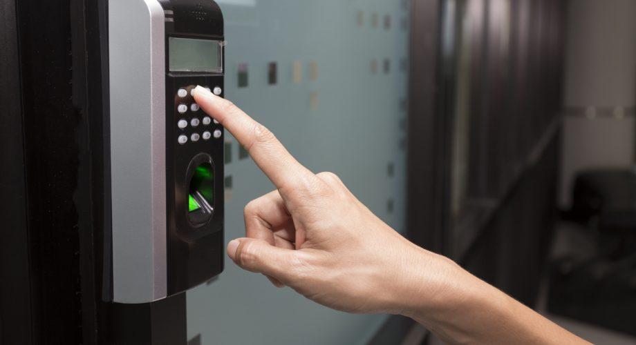 Controle de acesso condominial com senha